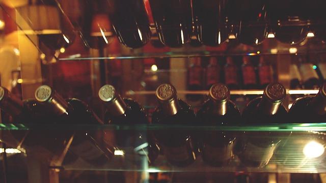 wine-2626113_640