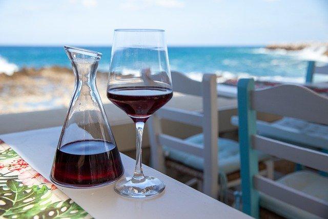 wine-5289442_640
