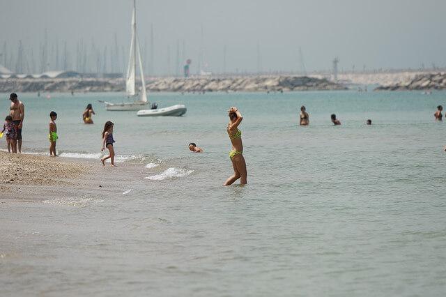 beach-4224006_640